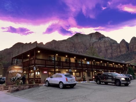 Pioneer Lodge Zion National Park Springdale Hotel