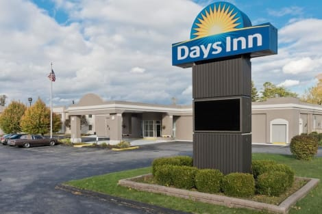 Days Inn by Wyndham Batavia Darien Lake Theme Park Hotel