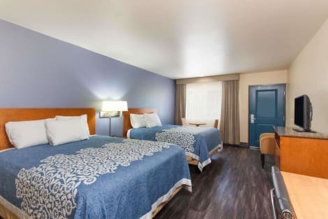Days Inn by Wyndham San Diego-East/El Cajon Hotel