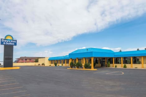 Hotel Days Inn & Suites By Wyndham Clovis