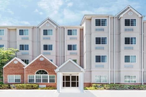 Microtel Inn & Suites by Wyndham Tuscaloosa/Near University Hotel