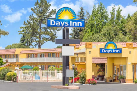 Hotel Days Inn by Wyndham King City