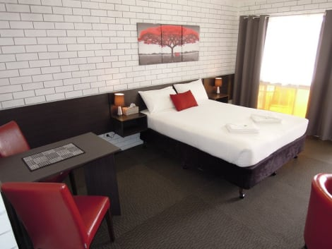 Jackaroo Apartments Hotel