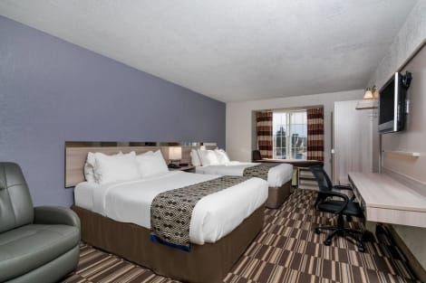 Microtel Inn & Suites by Wyndham Rochester Hotel