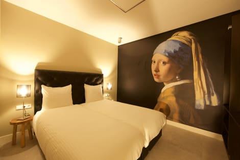 HotelCamp Inn Hotel