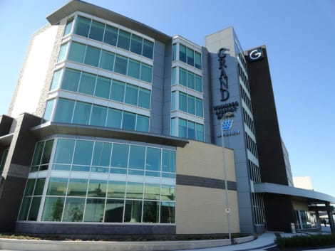 HotelThe Grand Winnipeg Airport Hotel by Lakeview