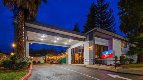 Hotel SureStay Plus Hotel by Best Western Sacramento North