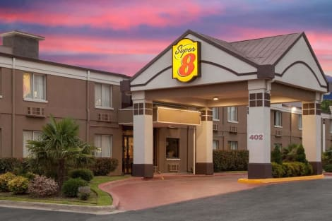 Hotel Super 8 By Wyndham Grand Prairie North