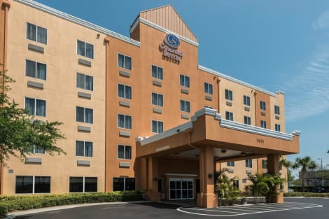 Comfort Suites Tampa Airport North Hotel