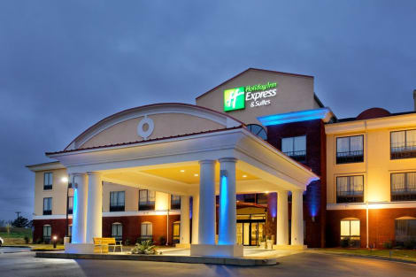 Holiday Inn Express Andalusia Hotel