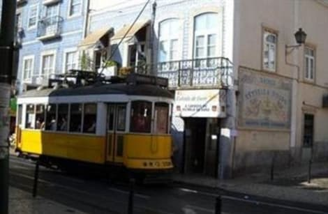 Hotel Private Rooms/Duplex Apt.@Lisbon Center