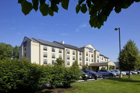 Hotel Fairfield Inn & Suites By Marriott Cumberland