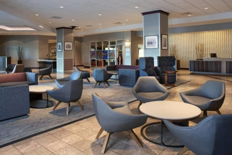Courtyard By Marriott Detroit Downtown Hotel