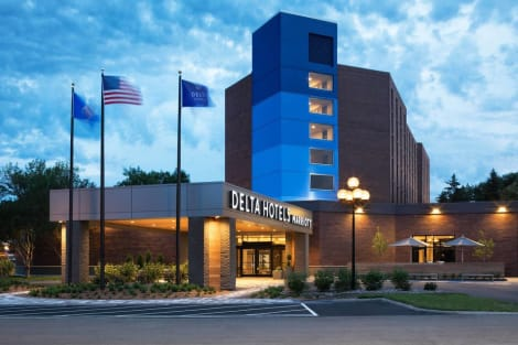Hotel Delta Hotels By Marriott Minneapolis Northeast