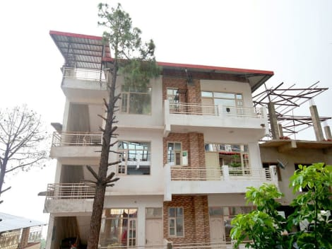 OYO 13433 Home Kasauli View 2BHK Dharampur Hotel