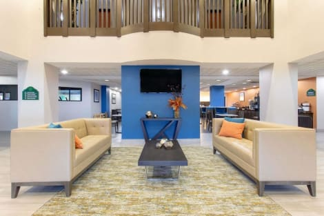 Wingate by Wyndham Indianapolis Airport Plainfield Hotel