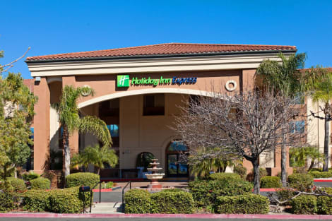 Holiday Inn Express Temecula Hotel