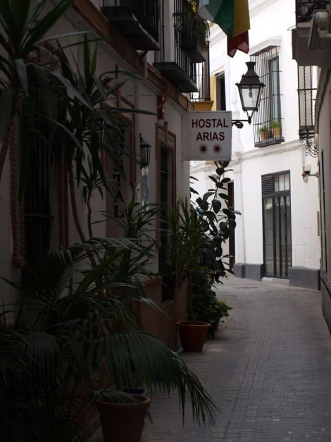 Hostal Arias Hotel