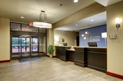 Holiday Inn Express Hotel & Suites Natchez South Hotel