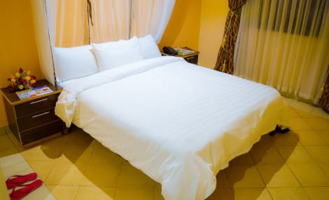 HotelFourth Parklands Guest House & Conference