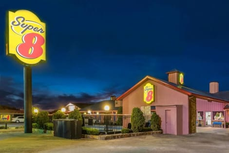Super 8 by Wyndham Eastland Motel
