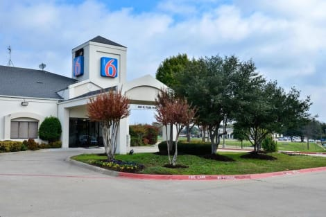 Motel 6 West Plano - Frisco, TX Hotel