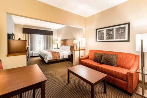 Quality Inn & Suites University Fort Collins Hotel