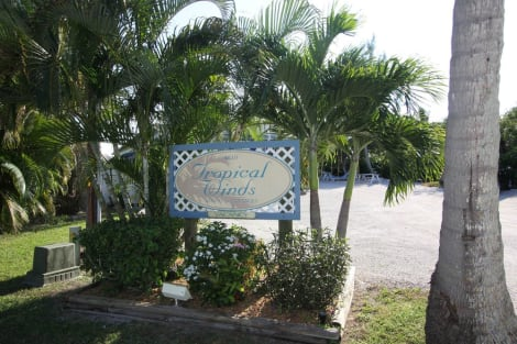 Tropical Winds Motel & Cottages Hotel