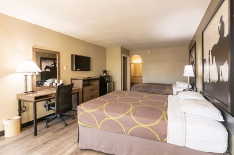Super 8 by Wyndham Dallas East Hotel