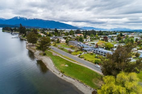 Lakeside Motel and Apartments - Te Anau Hotel