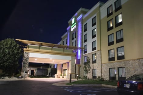 Holiday Inn Express Janesville - I-90 & US Hwy 14 Hotel