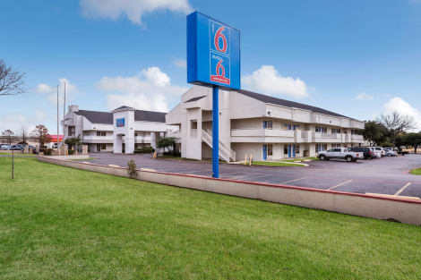 Hotel Motel 6 Dallas - Irving Dfw Airport East