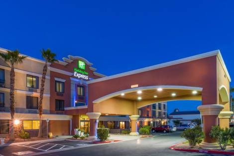 Holiday Inn Express & Suites HENDERSON Hotel