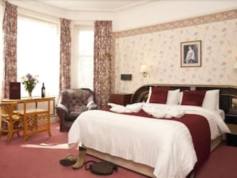 Denewood Hotel - Guest Accomodation