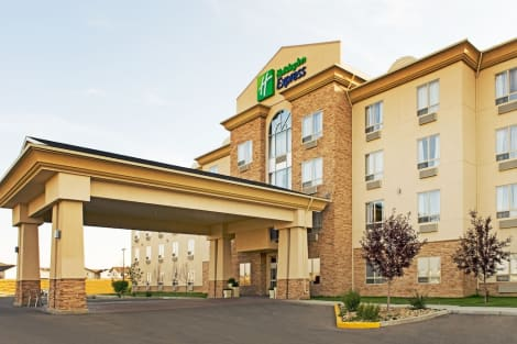 Holiday Inn Express & Suites Grande Prairie Hotel