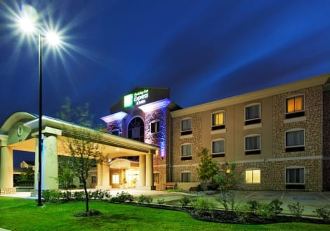 Holiday Inn Express & Suites Mansfield Hotel