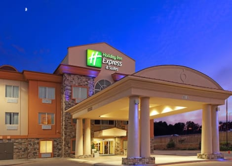 Holiday Inn Express & Suites Marshall Hotel