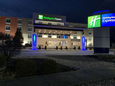 Holiday Inn Express Allentown North Hotel
