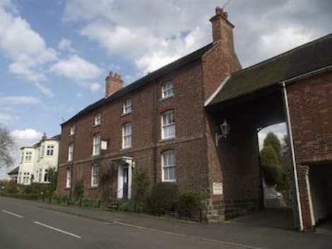 Ravenstone Guest House Hotel