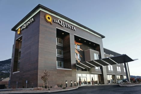 La Quinta Inn & Suites by Wyndham Cedar City Hotel