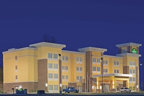 La Quinta Inn & Suites by Wyndham Morgantown Hotel