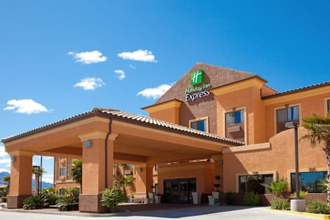 Holiday Inn Express Hotel & Suites Kingman Hotel
