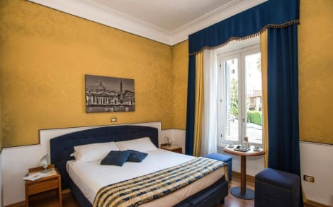 IH Hotels Piazza di Spagna View - Luxury Guest House Hotel