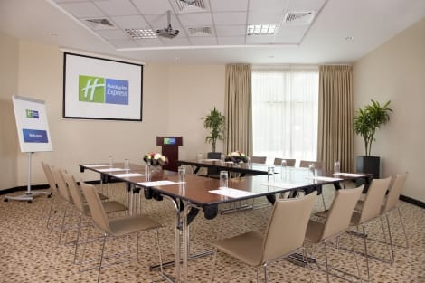 Hotel Holiday Inn Express DUBAI - SAFA PARK