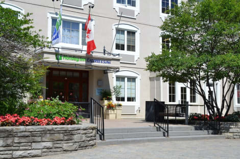 Holiday Inn Express and Suites Tremblant Hotel