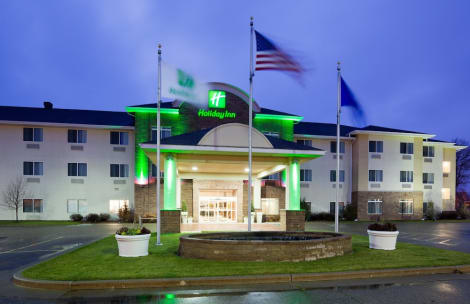 Holiday Inn & Conference Center Marshfield Hotel
