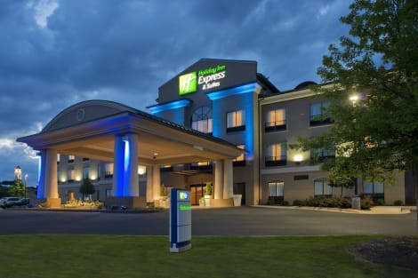 Holiday Inn Express Hotel & Suites Prattville South Hotel