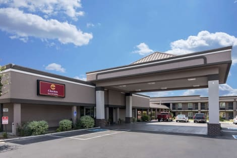 Clarion Inn & Suites Russellville I-40 Hotel