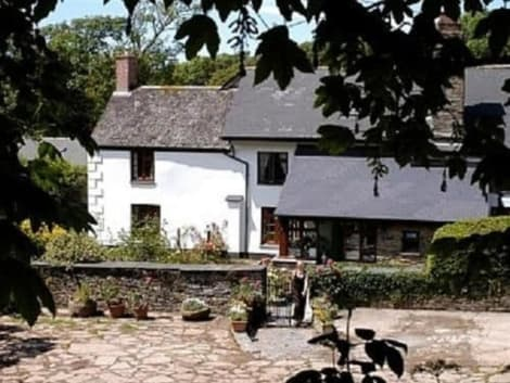 Burton Farmhouse Hotel