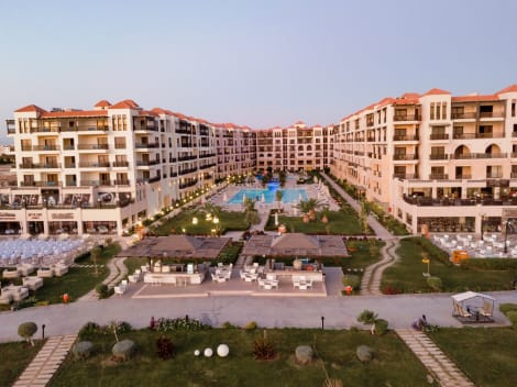 Hotel Samra Bay Hotel And Resort